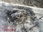 Chở theo 2 can xăng, xe máy bốc cháy trơ khung trên đại lộ Phạm Văn Đồng