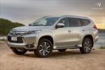 Ô tô giảm giá hàng trăm triệu đồng, nên mua lúc này hay chờ sang 2018?