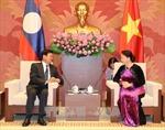 Chủ tịch Quốc hội tiếp Thủ tướng Lào Thongloun Sisoulith