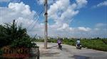 Bao giờ cột điện gây cản trở giao thông ở huyện Hoài Đức mới được di dời?