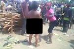 Người phụ nữ bị hành hạ, chặt đầu dã man giữa đám đông hò hét vô nhân tính