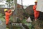 Hà Nội cơ bản cấp điện trở lại cho người dân bị ngập lụt
