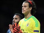Xem pha bóng thủ môn trẻ nhất Champions League 'tặng' bàn thắng cho Quỷ đỏ