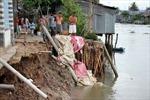 Vĩnh Long: Bàn phương án bồi thường, hỗ trợ người dân trong khu vực sạt lở nguy hiểm