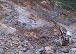 Thanh Hóa: Núi Pha Nọi bị sạt lở, đá lăn vào nhà dân