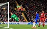 Willian cứu Chelsea khỏi một trận thua trước Liverpool