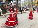 'Tết Mông xuống phố' thu hút các bạn trẻ Hà Nội