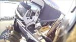 Biệt kích Mỹ bắn nát cửa sổ xe tải dân thường, tài xế vẫn ngồi trong