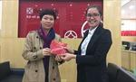 SeABank trao thưởng cho chủ thẻ SeALady trúng chuyến du lịch Singapore