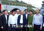 Thủ tướng Nguyễn Xuân Phúc thăm hầm đường bộ Đèo Cả