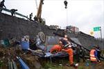 Trung Quốc: Xe buýt rơi xuống rãnh sâu, 42 người chết và bị thương