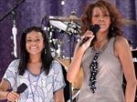 Băn khoăn số phận đứa con côi của Whitney Houston