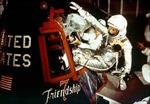 Mỹ kỷ niệm 50 năm lần đầu tiên bay quanh quỹ đạo Trái Đất