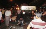 Xe máy tông nhau, 2 công nhân chết thảm do xe tải cán ngang