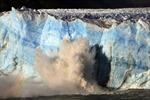 Đập băng khổng lồ ở Achentina đổ sập