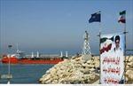 Tổng thống Mỹ cho phép trừng phạt ngành dầu mỏ của Iran