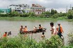 Tìm kiếm thi thể nạn nhân vụ chìm đò tại TP HCM