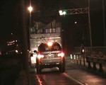Kiểm soát xe quá tải phá hoại đường bộ