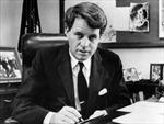 Có hai sát thủ trong vụ ám sát em trai Tổng thống Kennedy?