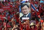 """Đằng sau cuộc tập hợp một ngày của """"Áo đỏ"""" Thái Lan"""