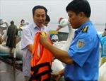 Hà Nội xử lý vi phạm trật tự an toàn giao thông đường thủy mùa mưa bão