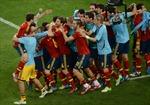 Sau 'đấu súng' nghẹt thở, Tây Ban Nha vào chung kết
