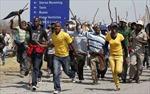 Nam Phi điều xe bọc thép, trực thăng giải tán biểu tình