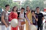 Hoa hậu Quý bà Thế giới với áo dài, nón lá