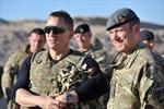 Điệp viên James Bond thăm căn cứ quân sự ở Afghanistan