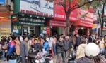 Hà Nội: Chật vật mua vé tàu xe về Tết
