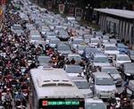 Giải quyết ùn tắc giao thông ở Hà Nội - Bài 2: Cần giải pháp tổng thể