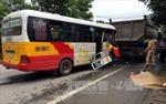 Xe tải va chạm trực diện với xe buýt tại thành phố Móng Cái, 10 người thương vong