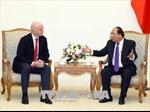 Thủ tướng Nguyễn Xuân Phúc dời chuyến bay để tiếp Chủ tịch FIFA