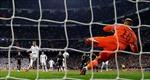 Sút penalty như sút volley, bàn gỡ trên chấm phạt đền của Ronaldo bị cho là phạm luật