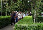 Người dân trên khắp mọi miền Tổ quốc về thăm quê Bác ngày đầu năm mới