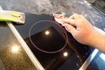 Bí quyết giữ bếp điện từ, bếp hồng ngoại luôn sạch bóng