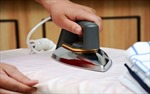 Bàn ủi quên tắt điện có tự động ngắt không?