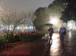 Mưa dông diện rộng, Hà Nội thấp nhất 16 độ C từ đêm nay