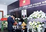 Lãnh đạo Đảng, Nhà nước Lào đến viếng và ghi sổ tang tưởng niệm nguyên Thủ tướng Phan Văn Khải
