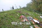 Nam Định: Rác thải tràn lan đê sông Đáy