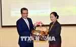 Giao lưu tô thắm tình đoàn kết giữa Đại sứ quán Việt Nam và Lào tại Trung Quốc