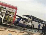 Hai xe buýt đâm nhau trực diện, 15 công nhân thiệt mạng