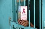 Tăng cường kết nối giữa cơ sở y tế và trại giam trong điều trị HIV/AIDS