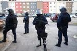 Pháp sơ tán du khách do lo ngại âm mưu tấn công cảnh sát