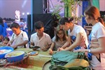 TP Hồ Chí Minh sôi nổi hội thi gói bánh chưng nhân dịp Giỗ tổ Hùng Vương