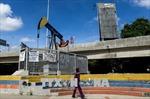 Giá dầu tăng cao kỷ lục giữa những quan ngại về Venezuela