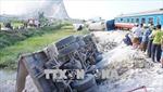 Hiện trường vụ tai nạn đường sắt thảm khốc tại Thanh Hóa  khiến 12 người thương vong