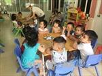 Lắp camera để giảm bạo hành trẻ: Chưa giải quyết tận gốc vấn đề