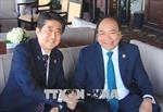 Thủ tướng Nguyễn Xuân Phúc tiếp xúc song phương bên lề Hội Nghị Thượng đỉnh G7 mở rộng
