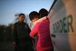 Chuyện gì đang xảy ra ở biên giới Mỹ 'gây bão' cả chính giới?